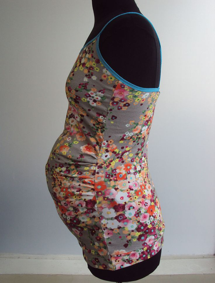 'So, Zo...': Tutorial: How to Make a Pattern for Jersey Maternity/Pregnancy Tops