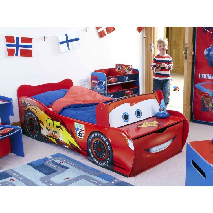 Laat je kind slapen in zijn favoriete racewagen! Vooraan grote lade met opbergruimte #LightningMcQueen #Cars #Disney