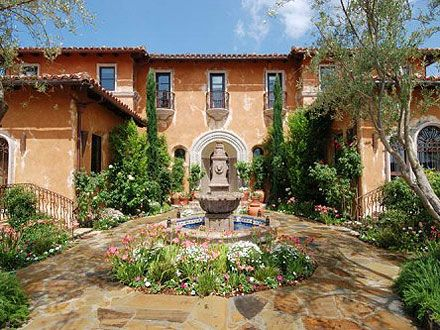The Bachelor Mansion Up for Rent. The mansion featured on The Bachelor and ...    people.com