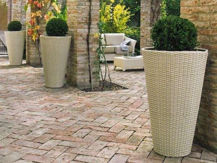 Oltre 25 fantastiche idee su fioriere da esterno su - Vasi per esterno in cemento ...