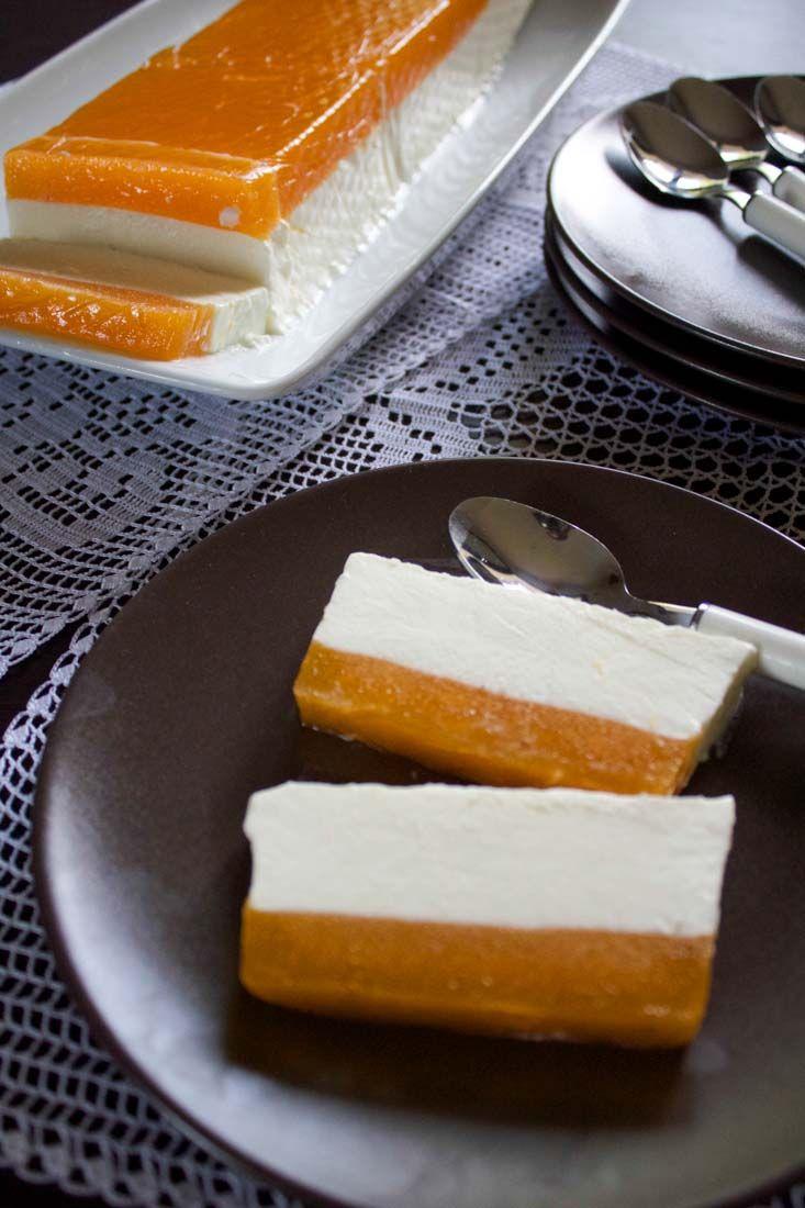 Panna cotta alla vaniglia e cachi in gelatina
