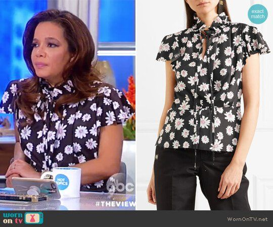 Sunny's black floral print tie neck top on The View.  Outfit Details: https://wornontv.net/84651/ #TheView