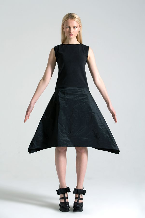 Dress with trapeze skirt