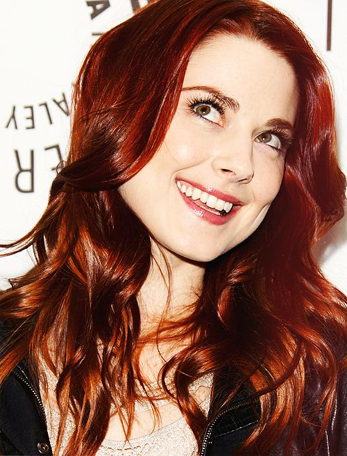 Alexandra Breckenridge, absolutely love her hair color