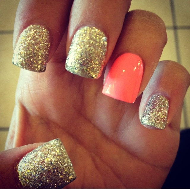 I think I might of done all coral with one sparkly nail, since that's such a pretty color, but this is cute!