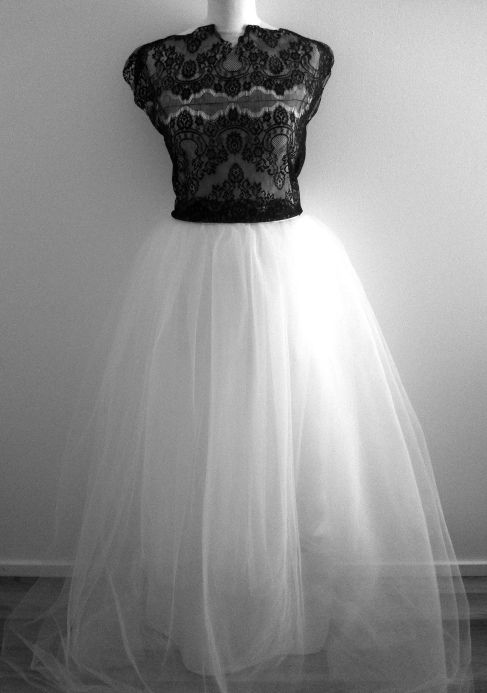 Long tulle skirt#lace top#wedding#love#photo shoots