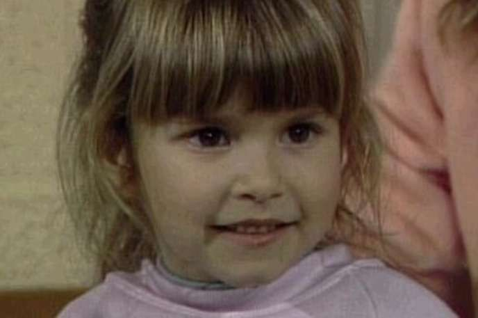 30 Child Actors Who Tragically Died Young - Judith Barsi She starred in Jaws: The Revenge and The Land Before Time as the voice of Ducky. She died in 1988 at age 10 in a horrible murder-suicide carried out by her father.