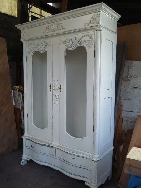 Las 25 mejores ideas sobre roperos antiguos en pinterest - Reciclado de muebles viejos ...