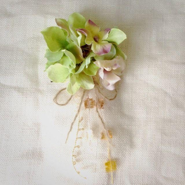 Ribbonブローチ by miumari アクセサリー コサージュ・ブローチ | ハンドメイド、手作り作品の通販・販売サイト minne(ミンネ)