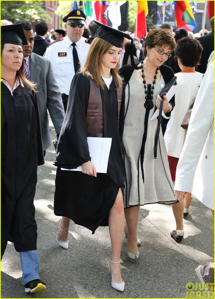 Emma Watson Becomes an Official Brown University Graduate - See the Pics Here! | emma watson graduates brown university lit major04 - Photo