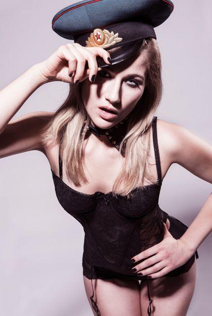 Photo @EVATA  Makeup @Angela Steger