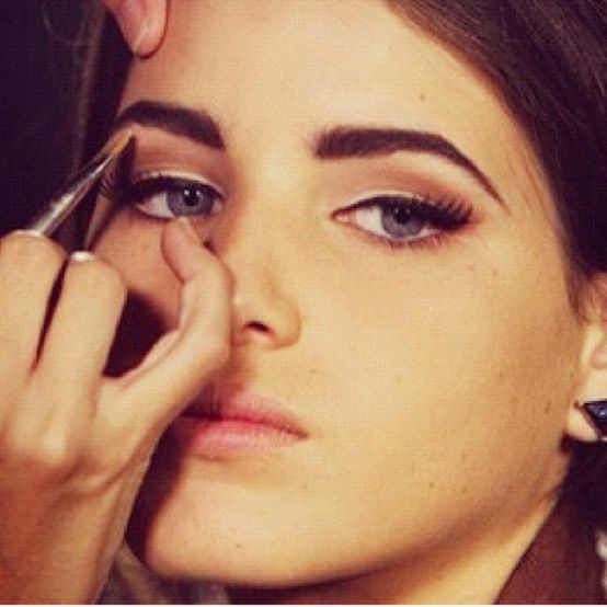 thick eyebrows for round face - Google Search | Make up ...