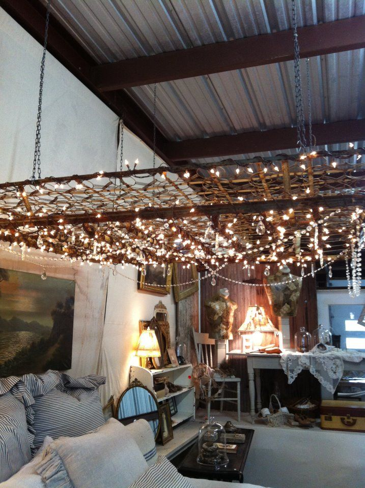❥ Texas Rose, Roundtop~ box spring chandelier :)