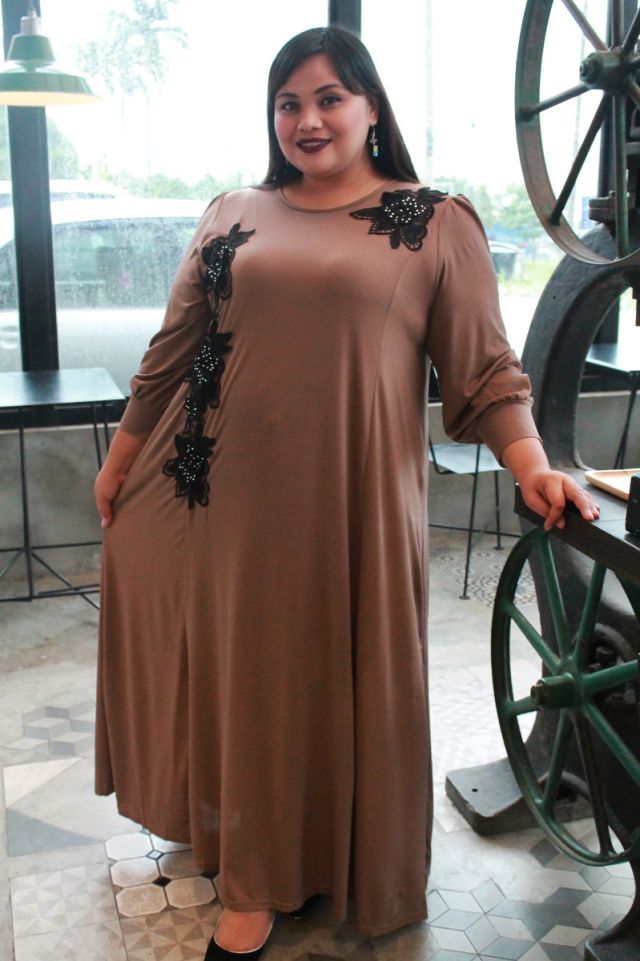 Sofea Lace Jubah by @nwl278 available from 2XL to 7XL. It's one of the Mis Claire Raya Collection 2016