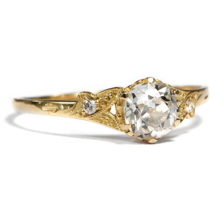 Herzenssache in Gelbgold - Aus unserer Werkstatt: Ein feiner Gelbgold-Ring mit 0,70 ct Altschliff-Diamant von Hofer Antikschmuck aus Berlin // #hoferantikschmuck #antik #schmuck #antique #jewellery #jewelry // www.hofer-antikschmuck.de