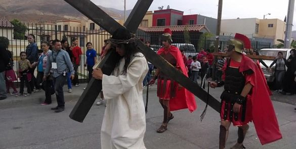 Vía crucis en la Parroquia San Benito Abad