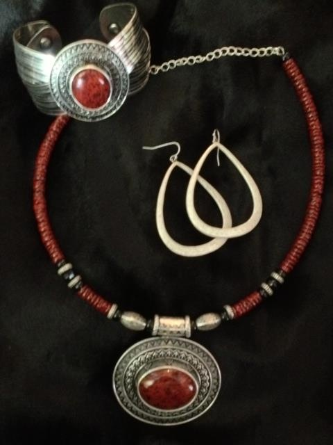 Red Spice necklace and bracelet. Premier Designs Jewelry, Carolyn Popp