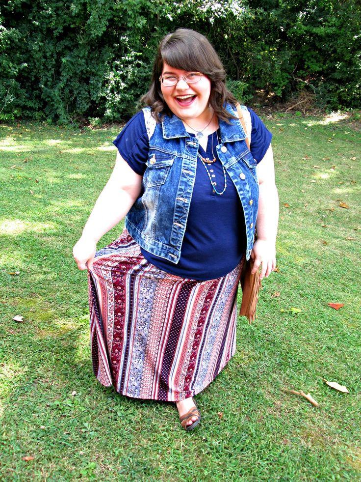 Unique Geek: Plus Size OOTD: Labor Day Love #plussizefashion #plussizeoutfit #plussize #fallplussizeoutfit #falloutfit #fallootd #maxiskirt: