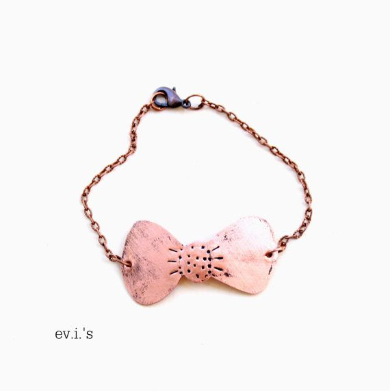 Bow Copper Chain Bracelet Handcrafted Hand by EVIsMetalworkJewelry, €20.00