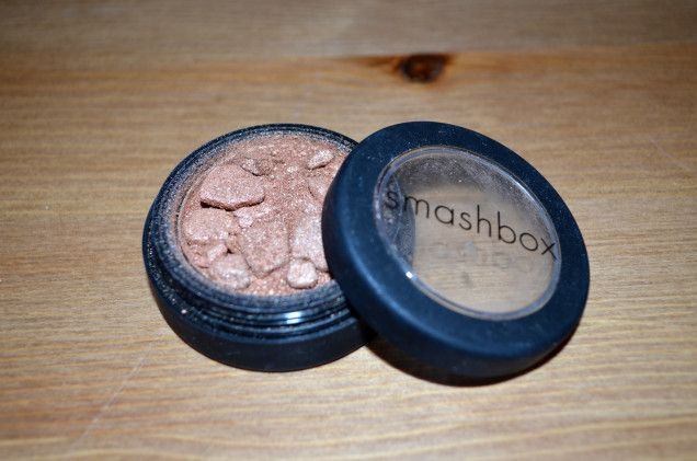 How to Fix Shattered Makeup by JessPhilosoraptor, group think: All you need is a little isopropyl alcohol. #DIY #Makeup