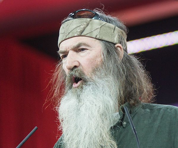 'Duck Dynasty' Star Phil Robertson Endorses Ted Cruz   1/13/16  Read Latest Breaking News from Newsmax.com http://www.newsmax.com/Newsfront/duck-dynasty-phil-robertson-endorses-ted-cruz/2016/01/13/id/709344/#ixzz3xE5YpD3f   Urgent: Rate Obama on His Job Performance. Vote Here Now!