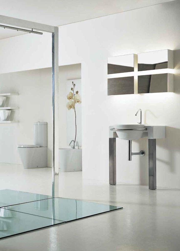 Arredo bagno con lavabo monoforo con base in acciaio linea Hera Due Althea Ceramica made in Italy