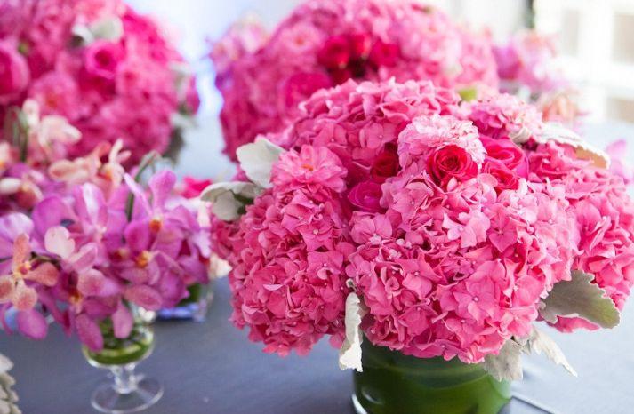 Billowy Hydrangea Wedding Flower Inspiration | OneWed