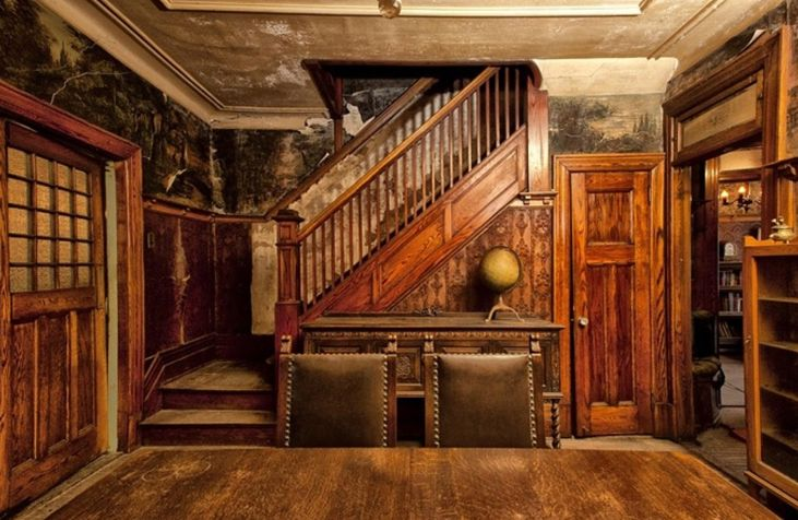 Creepy Old Houses for Sale | The Dusty Victorian: Old Montreal House - The Meaning of Atmosphere