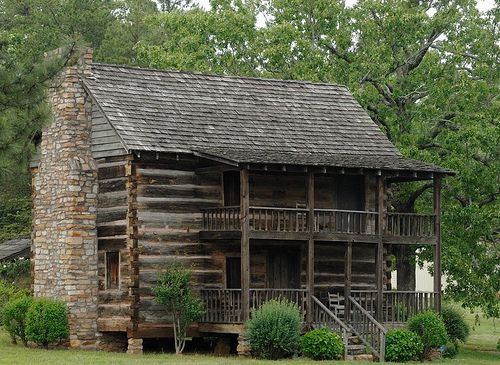 Log cabin early log cabins and colonial era log homes for Colonial log homes
