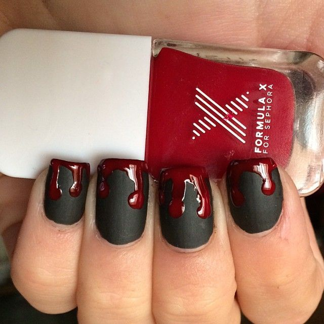 Need a quick Halloween beauty fix? Try this combo of matt and gloss nail varnish…