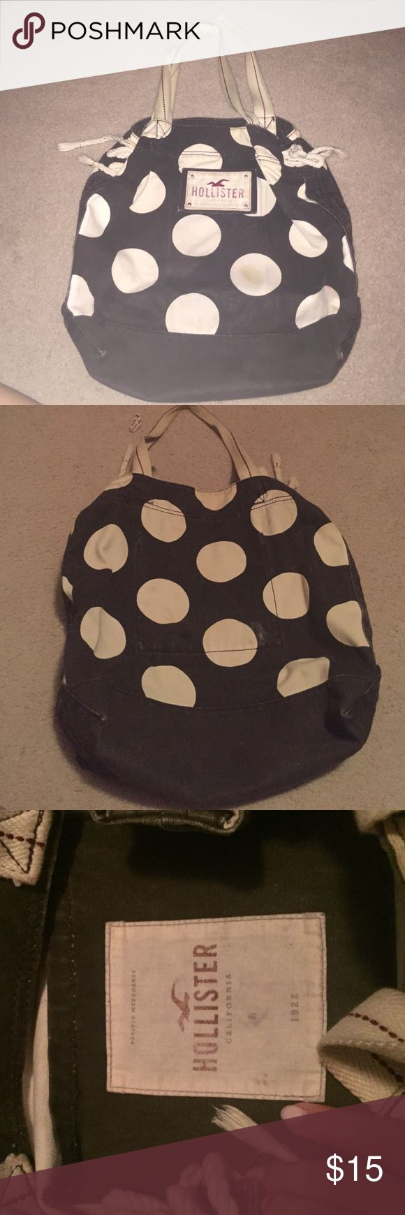 Hollister Tote Bag Gently used, great size bag! Hollister Bags Totes