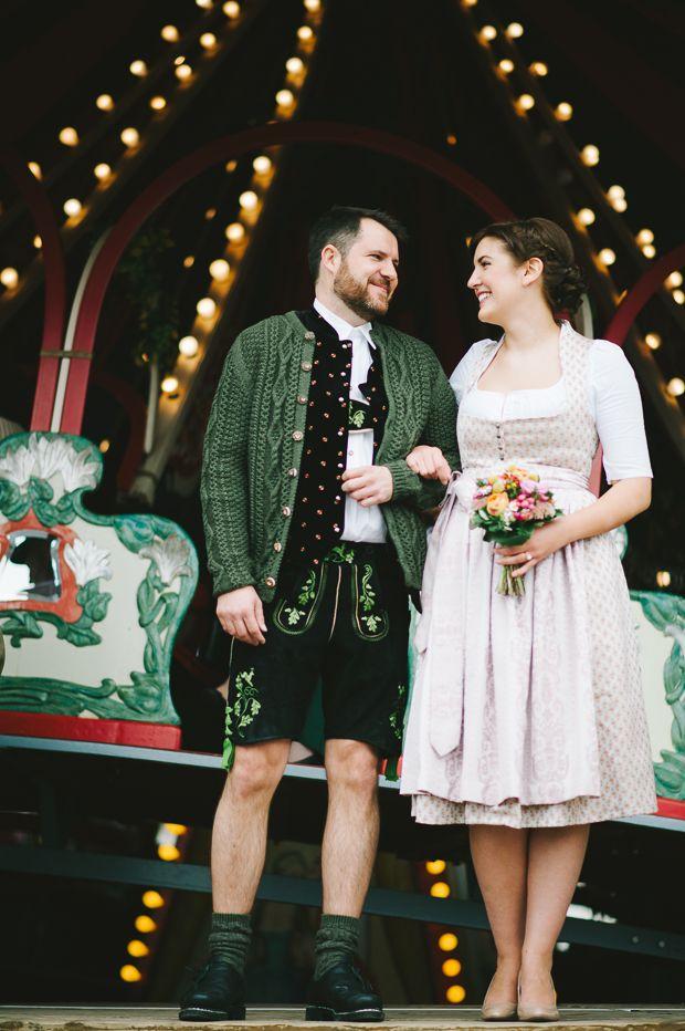 Standesamtliche Hochzeit im kleinen Sitzungssaal des Neuen Rathauses München  #Bavarian #wedding #tracht