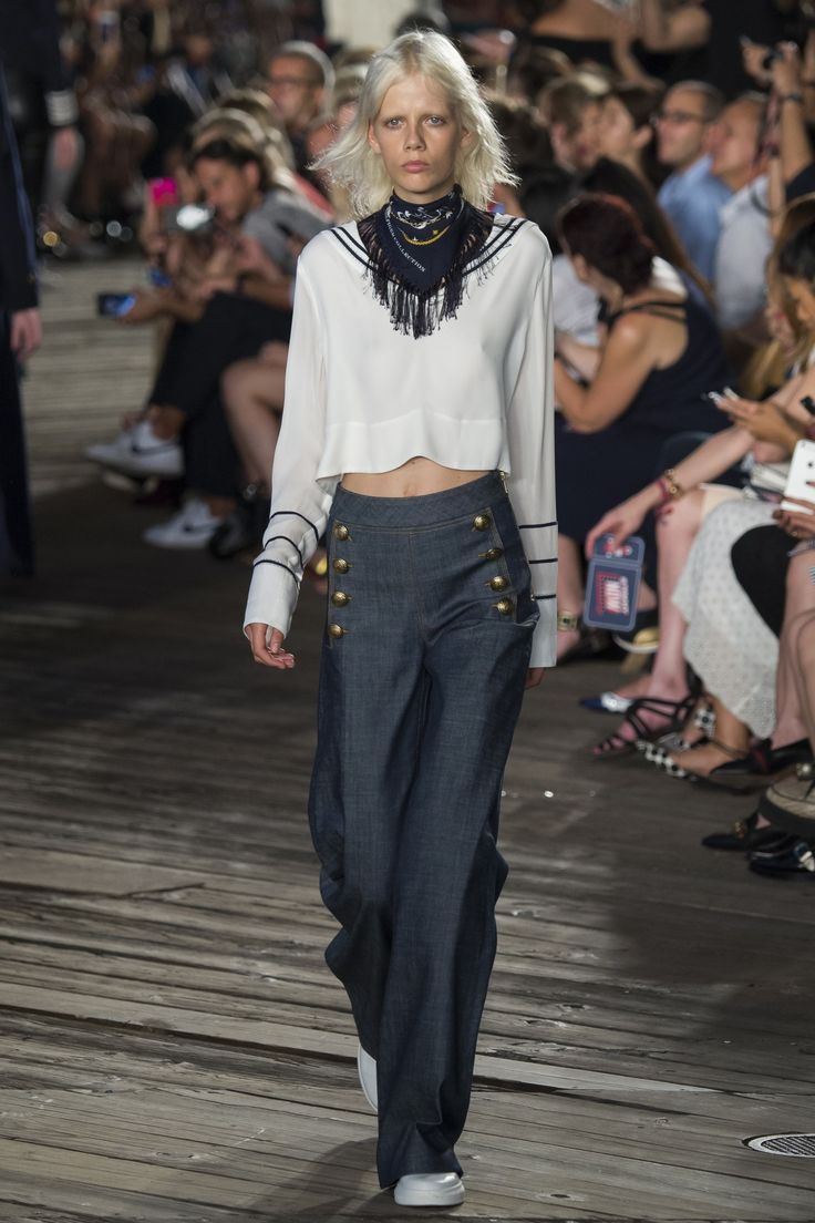 Tommy Hilfiger Fall 2016 Ready-to-Wear Fashion Show - Marjan Jonkman - I love those sailor pants!