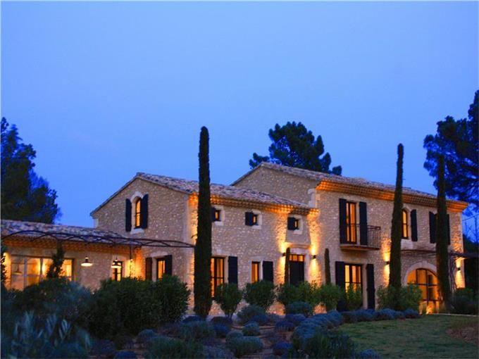 Stone Farmhouse | Eygalières, France | Propriétés de Provence Sotheby's International Realty