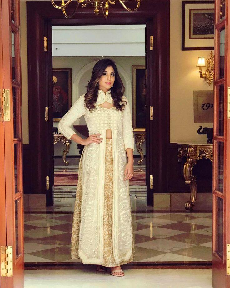 "27.6k Likes, 277 Comments - Kritika Kamra (@kkamra) on Instagram: ""For #chandrakanta press meet in Delhi yesterday. Styled by @khyatibusa  Outfit - customised…"""