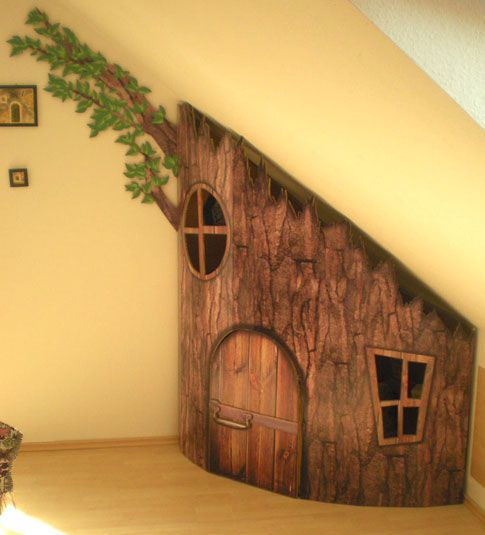 Tree house under stairs! amazing!Ideas, Trees Trunks, For Kids, Kids Room, Wooden House, Understairs, Trees House, Under Stairs, Indoor Trees