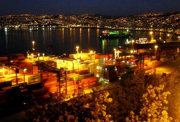 Paseo 21 de Mayo. Valparaiso Chile 2012 #lights #sea #dock