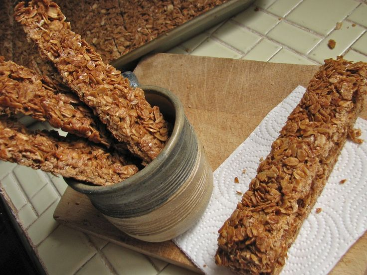 Tried it and liked it: These were good and lasted 2 weeks! Crunchy Granola Bars.  I wonder if I could sub sugar with molasses.