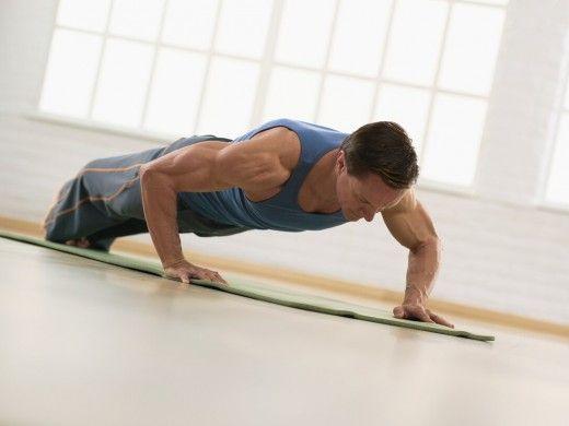 Add Pilates to Your Weightlifting Program - Pilates plank