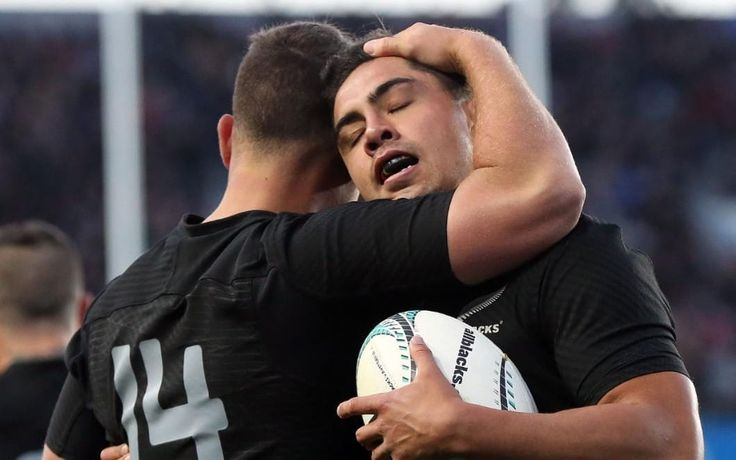 World champions New Zealand were challenged for 50 minutes but still ran in six tries to beat 37-10 Australia in Auckland on Saturday and become the first top tier nation to win 18 consecutive test matches.