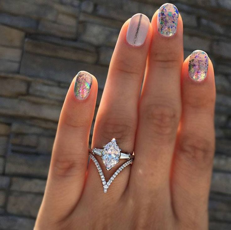 Do you hate halo engagement rings? You have other options!