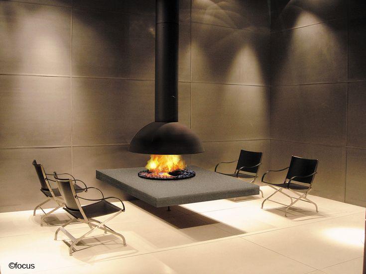 #cheminee mezzofocus hotte foyer central suspendu ouvert à bois #design contemporain