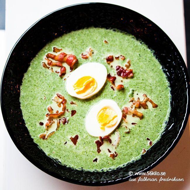 Krämig spenatsoppa med ägg
