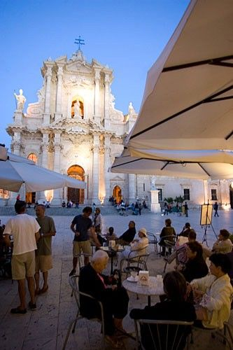 Piazza del Duomo, Siracusa, is surrounded by lovely churches and palaces. Sicily region, Italy