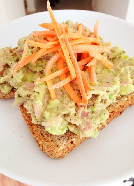 Clean Eating Tuna Salad! You will love this recipe, replace mayo with avocado   glam hungry mom