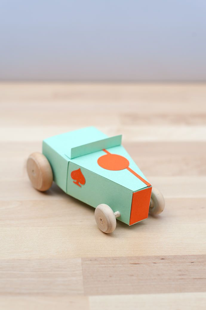 DIY Paper Hot Rod Kit - You Can put your kids name on the back and make as many as you like for a complete collection in your fav color.
