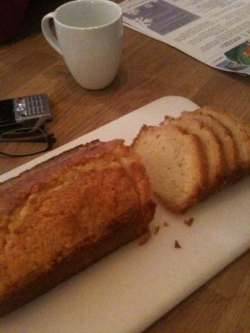 Ingen rotmos: Lemon Drizzle Cake  Nigella Lawson translated to swedish