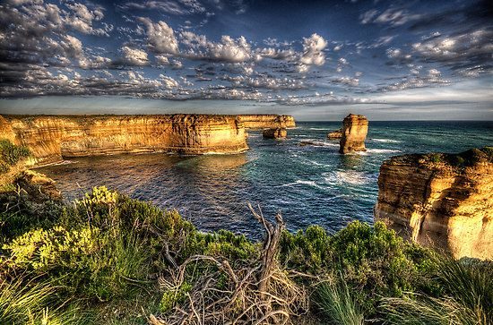 Australia's first tour of the Great Ocean Road designed for backpackers and travel adventure seekers. We offer more than the average tour allowing you to see more sights, have more fun, and truly experience the Great Ocean Road.