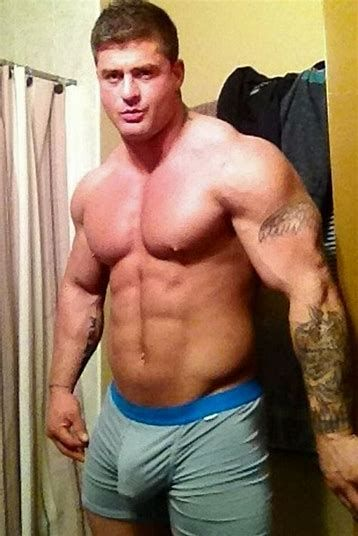 Special hung muscle man big cock