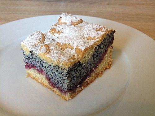 Leckerer Mohnkuchen mit Grieß